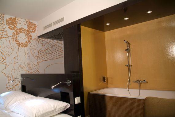 Doppelzimmer Deluxe im Alma Boutique Hotel